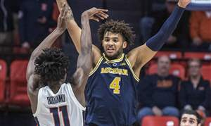 Michigan-Illinois-Basketball-45