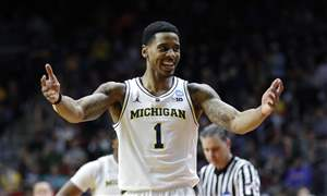 NCAA-Florida-Michigan-Basketball-8